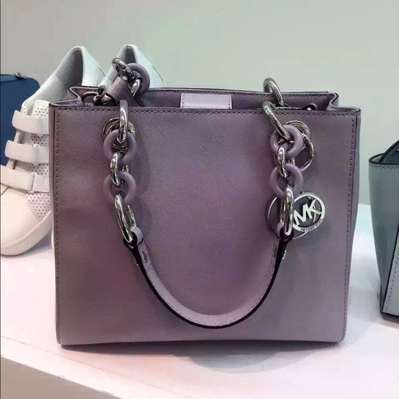 9ea3a887420b9a Micheal Kors Cynthia Medium Leather Satchel, NWT. NWT. MICHAEL Michael Kors